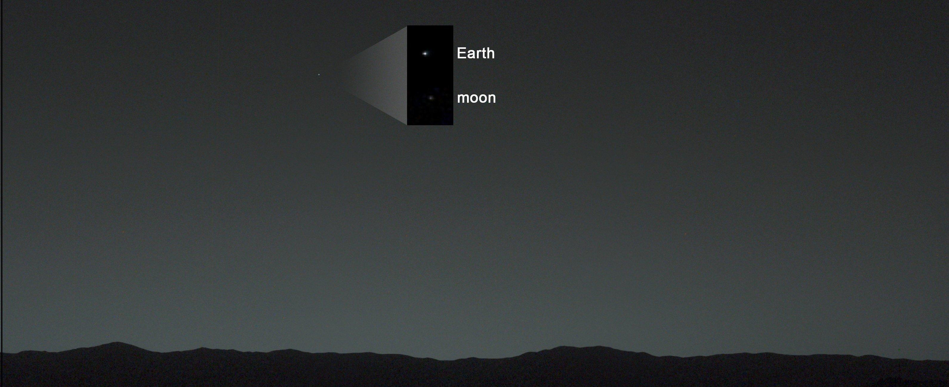 Le ciel martien, avec la Terre et la Lune. ©NASA